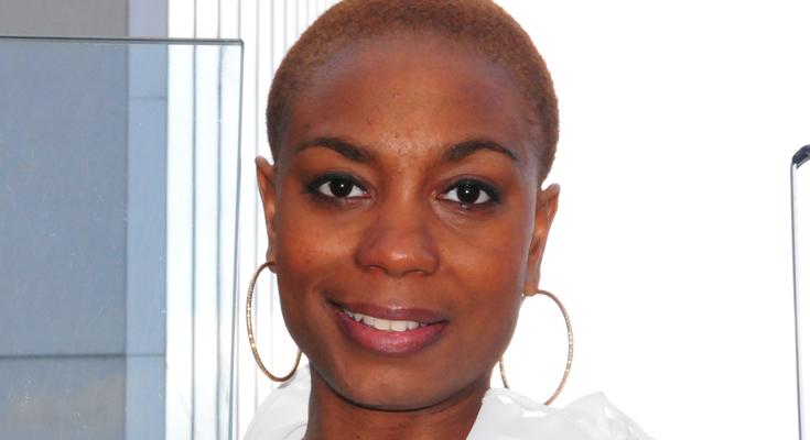 Presentatrice Angela Esajas